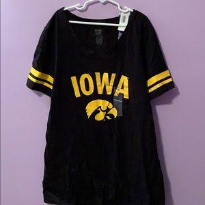 V-neck Iowa T-shirt